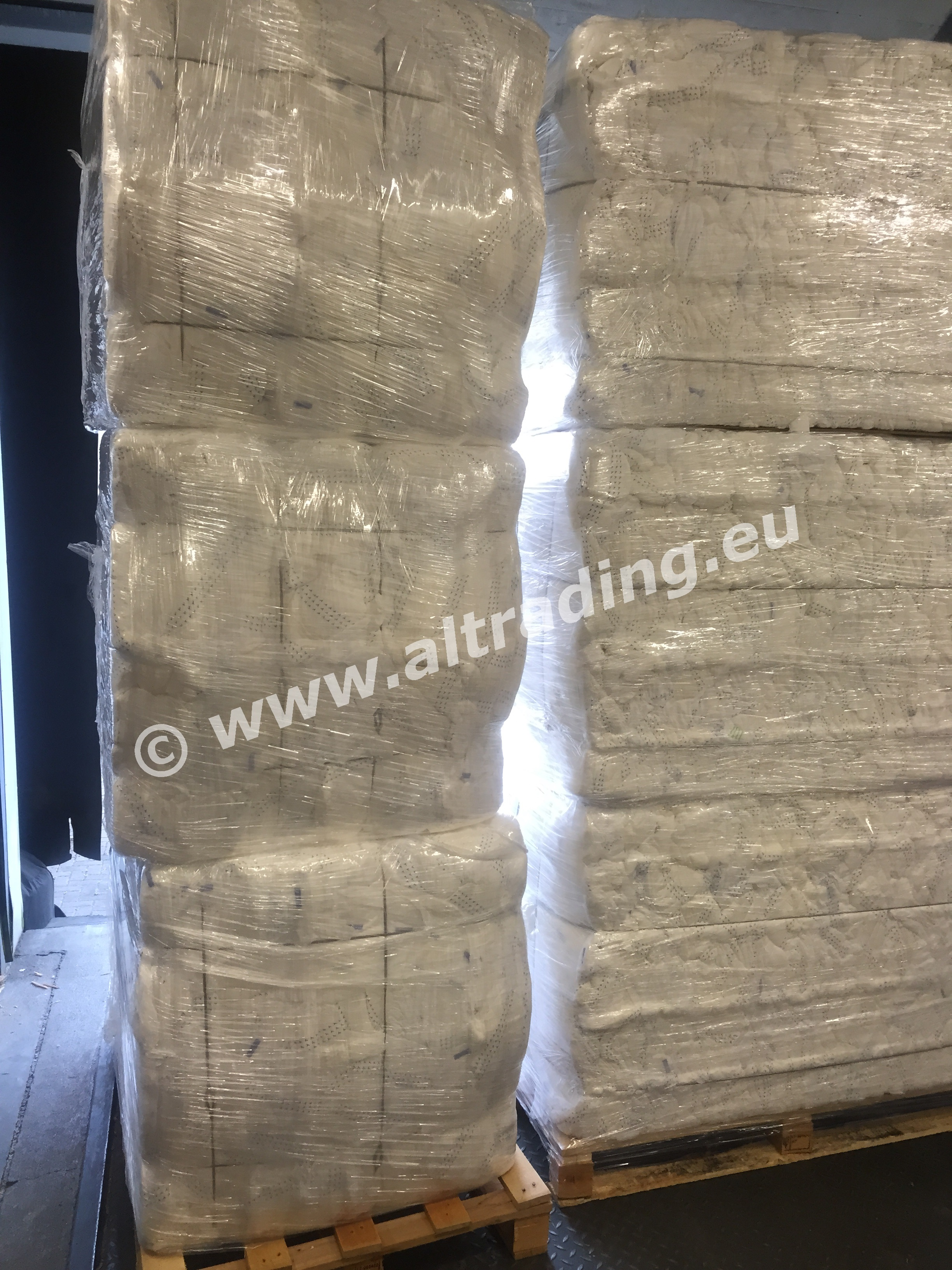 Adult diapers in bales CZ (PREMIUM QUALITY)